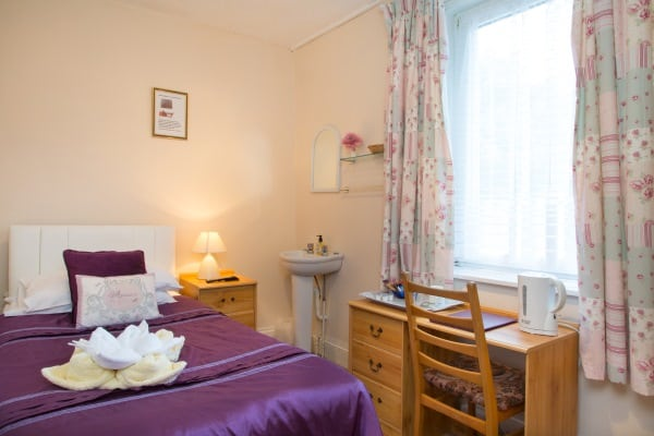 A Single Bedroom at the Firs B&B Plymouth (Room 1)
